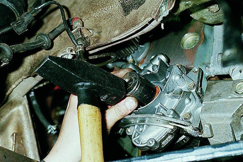 Фото №23 - как снять шкив коленвала ВАЗ 2110