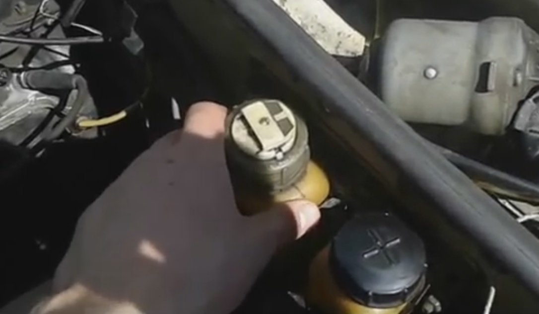 Замена главного тормозного цилиндра на ВАЗ 2107