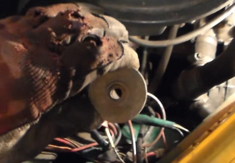 Самостоятельная замена переднего амортизатора ВАЗ 2107 классика