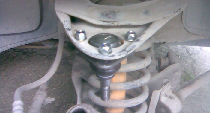 Замена шаровой опоры на ВАЗ 2107 своими руками