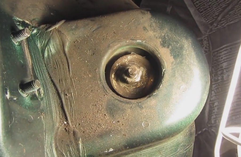 Замена амортизатора ВАЗ 2110.