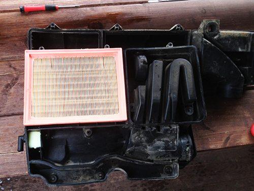 Замена воздушного фильтра на Форд Фьюжн своими руками